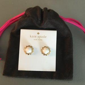 Kate spade white and gold flower earrings